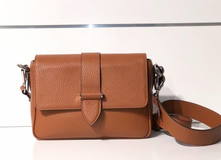 DECADENT Nicky Crossbody, Cognac
